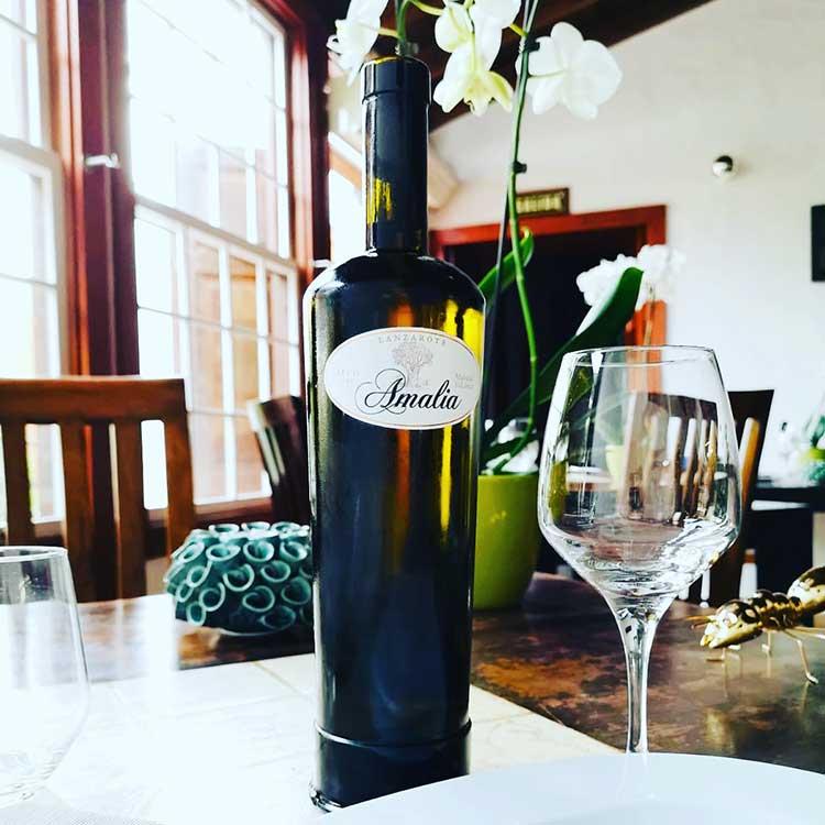 El Rincón de Moraga Restaurante botella de vino