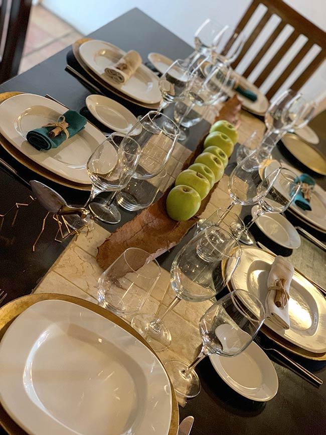 Restaurante El Rincón de Moraga mesa decorada